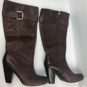 Authentic Fossil zip up brown heeled boots 10